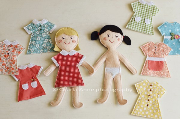 Casinha de boneca de feltro a craft for Felt dress up doll template