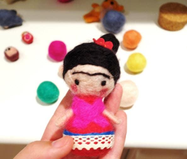 frida-feltragem-agulha-boneca-artesanato-molhada-feltro-la-merino