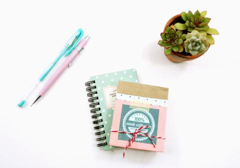 DIY: Bloco de anotações personalizado