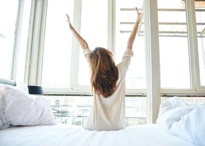 8 Dicas para acordar mais cedo e vencer a preguiça