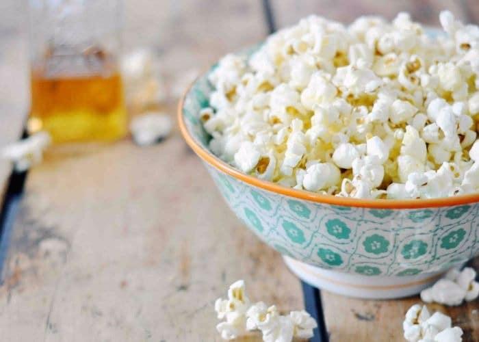 5 receitas irresistíveis de pipoca salgada para você tentar fazer 7