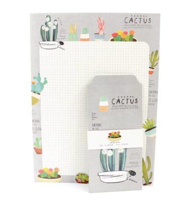Papel de carta + envelope - Cactus - Padrão quadriculado e fundo bege e cinza claro