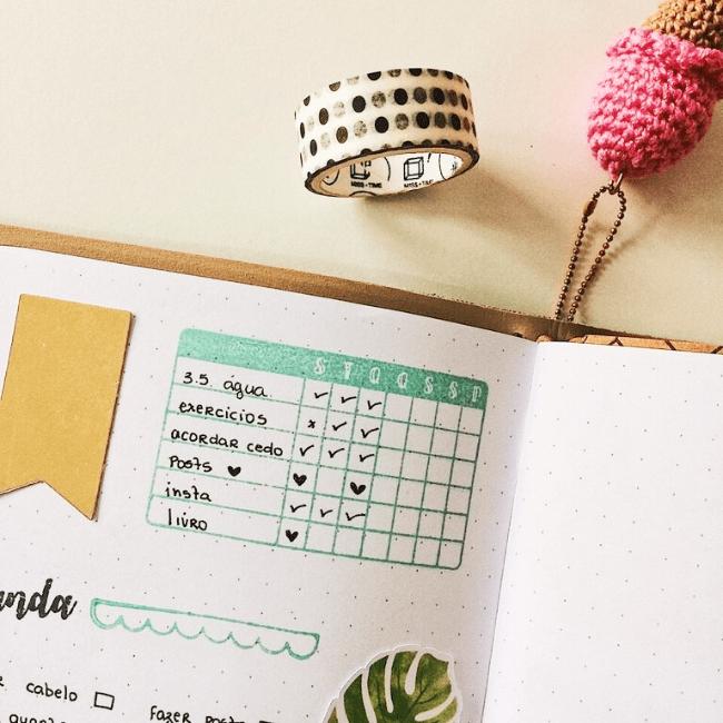 Tracker de hábitos ou lista de tarefas: qual é o melhor para você? (+ freebie para baixar)