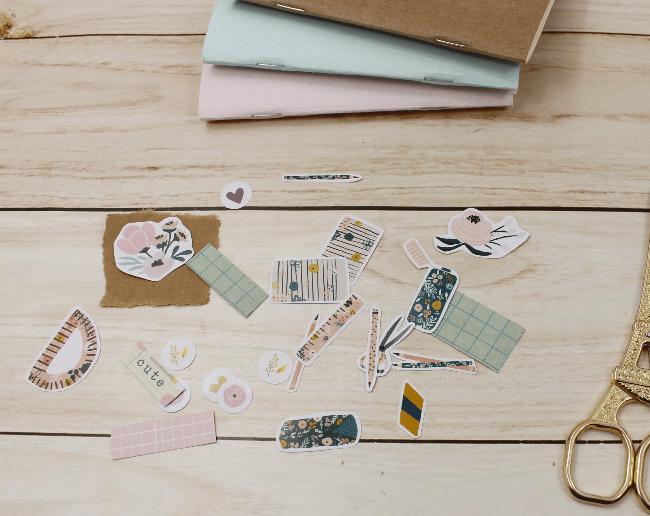 3 Ideias para decorar a capa dos mini blocos para planner com adesivos da A. Craft recortar